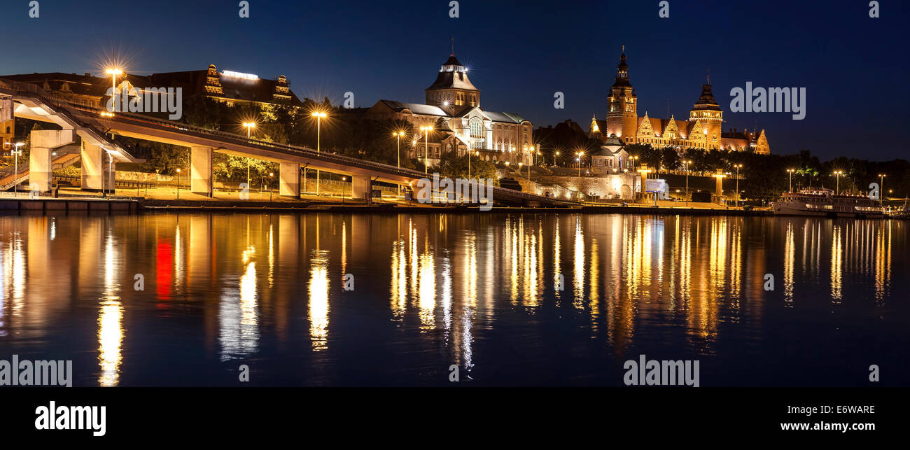 Chrobry Embankment in Szczecin (Stettin) City at night, Poland. - Stock Image