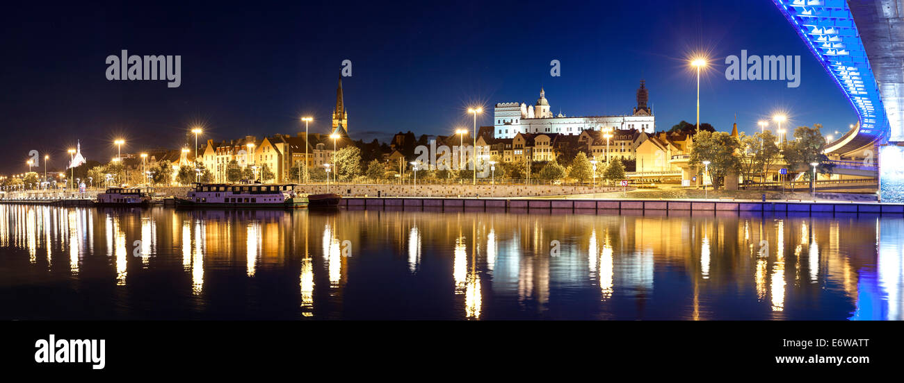 Panoramic view of Szczecin (Stettin) City with Pomeranian Dukes Castle by night, Poland. - Stock Image