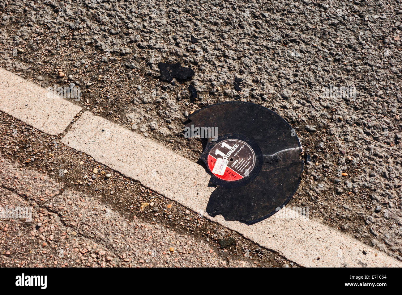the-end-of-the-vinyl-record-E71064.jpg