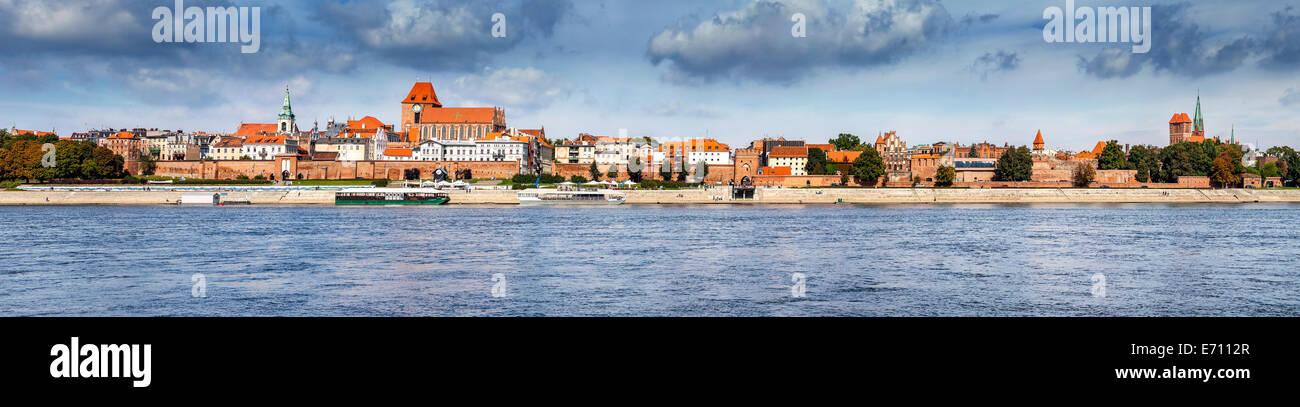 Panoramic view of old town in Torun on Vistula bank, Poland. - Stock Image