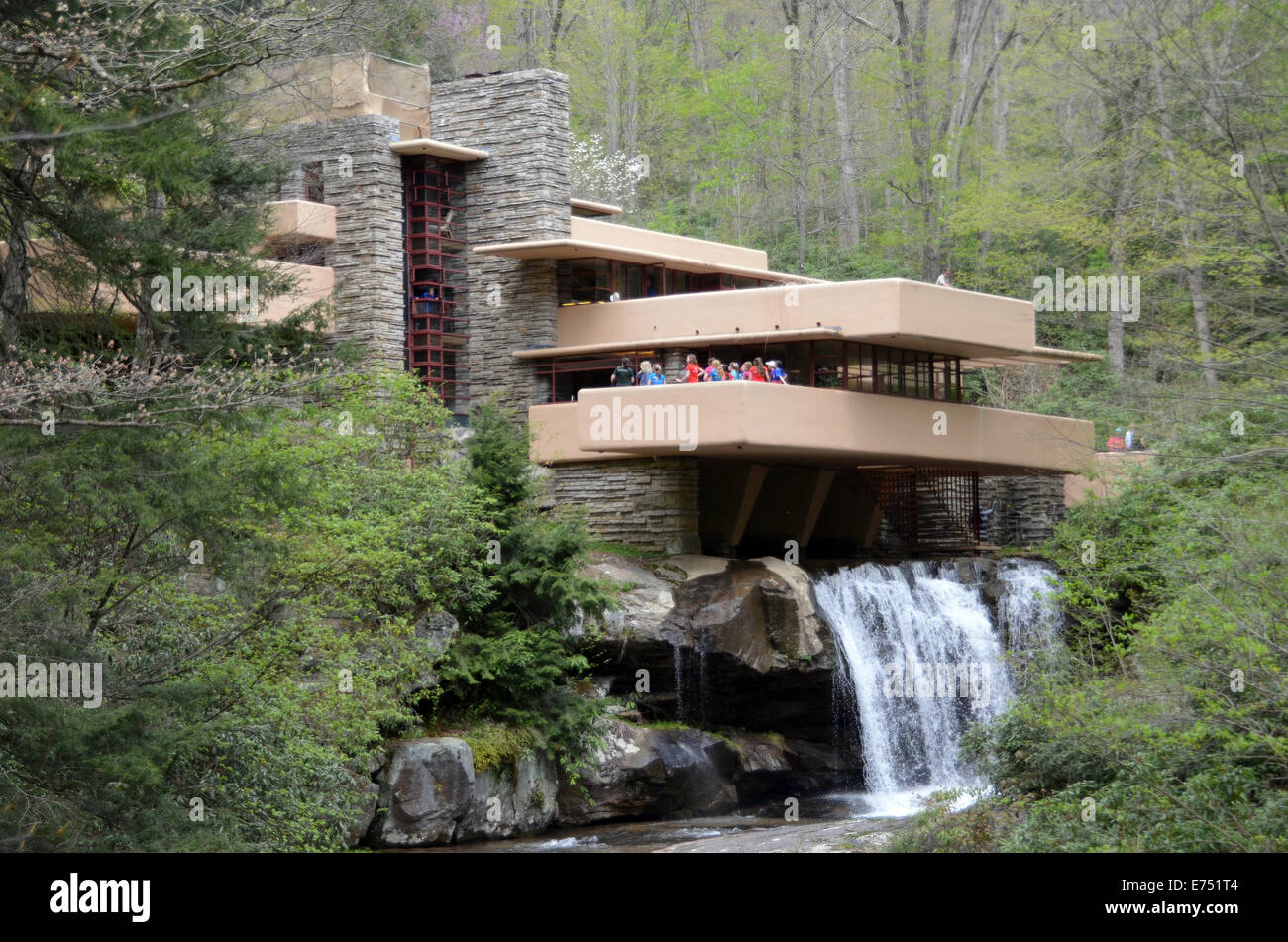 A view of the famous \'Fallingwater\' mansion by the late US-architect ...