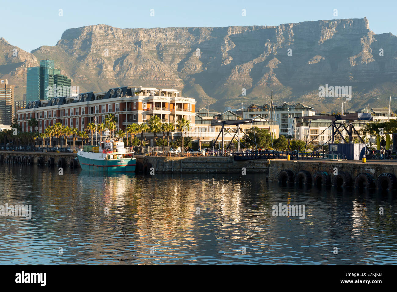 Victoria and Alfred Waterfront Cape Town South Africa with Cape Grace Hotel and Table Mountain - Stock Image