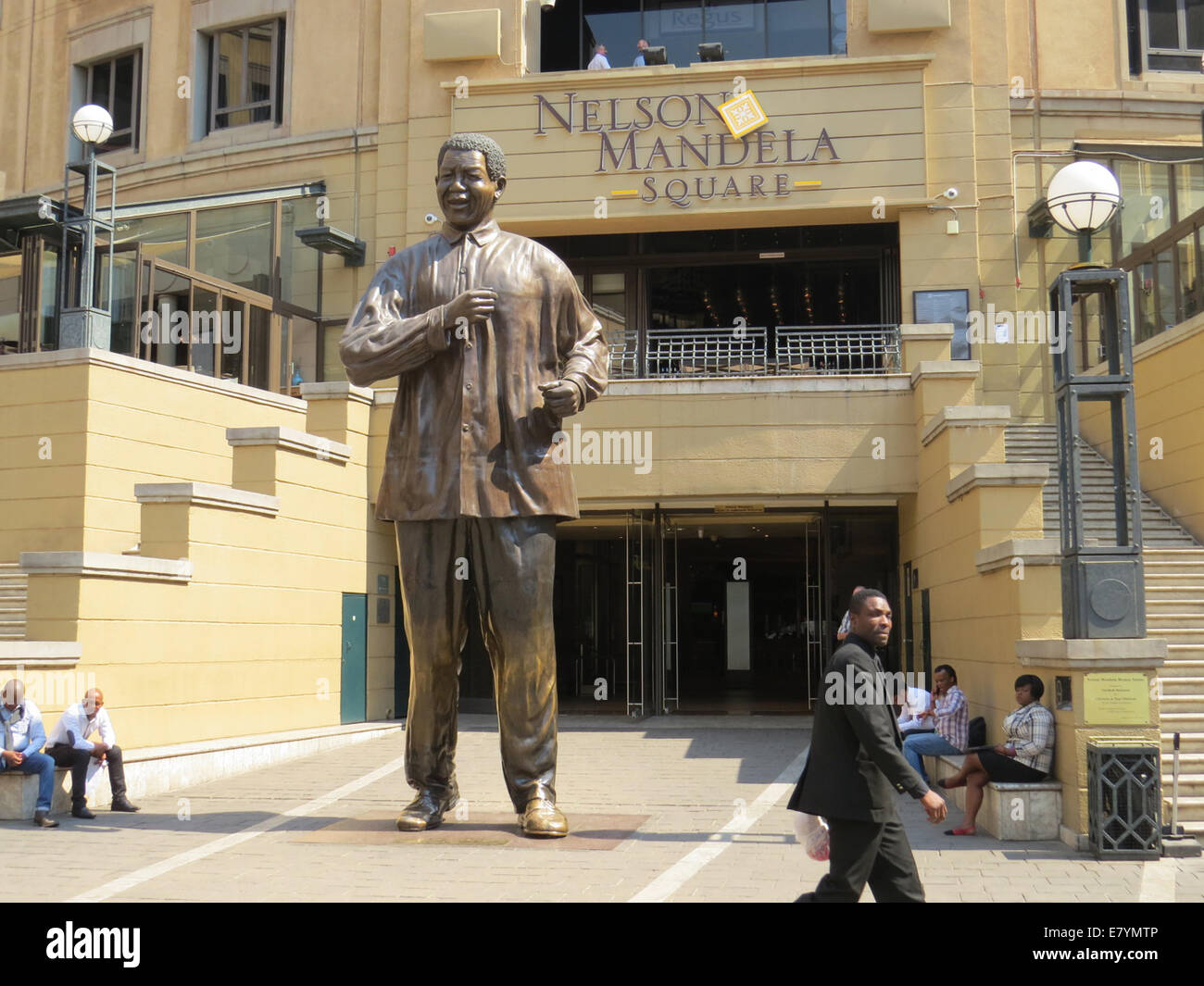 JOHANNESBURG  Nelson Mandela Square in Sandton. Photo Tony Gale - Stock Image