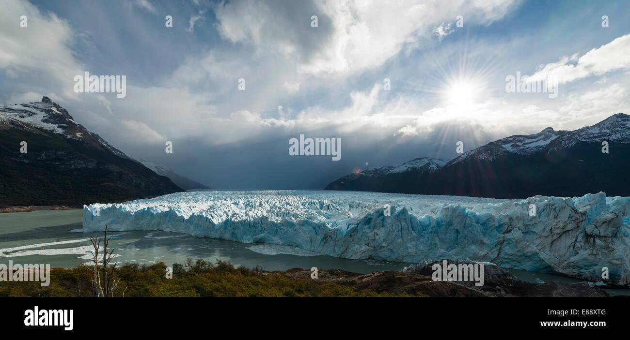 Afternoon light on the Perito Moreno Glacier, Los Glaciares National Park, UNESCO Site, Patagonia, Argentina - Stock Image