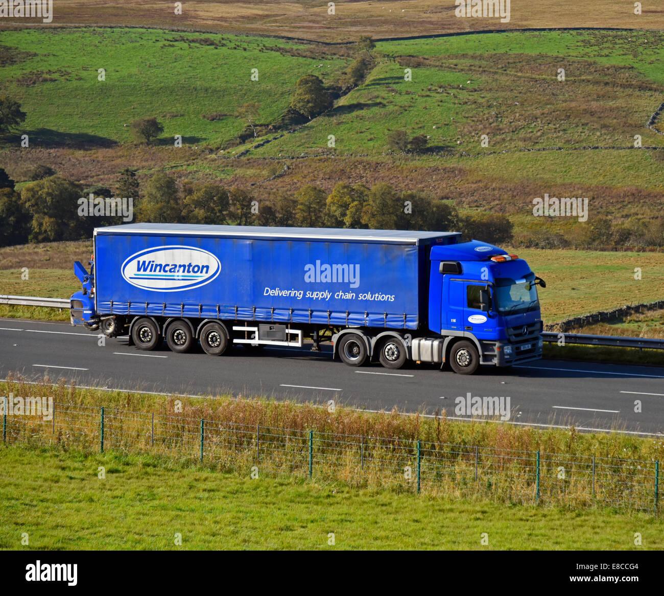 wincanton-hgv-m6-motorway-northbound-shap-cumbria-england-united-kingdom-E8CCG4.jpg