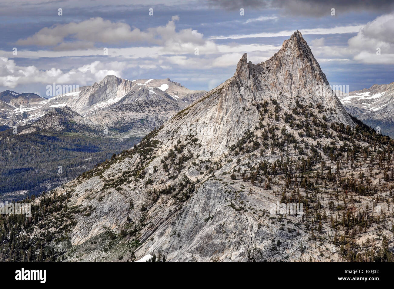 USA, California, Yosemite National Park, Cathedral Peak and Mount Conness - Stock Image