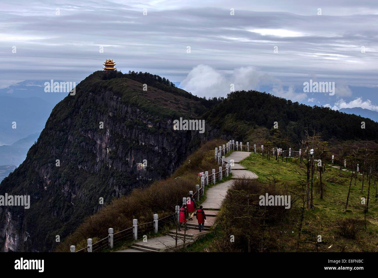 Wanfo Peak, Leshan City, Emei Shan, China Wanfo Peak And Its Solitary Temple - Stock Image