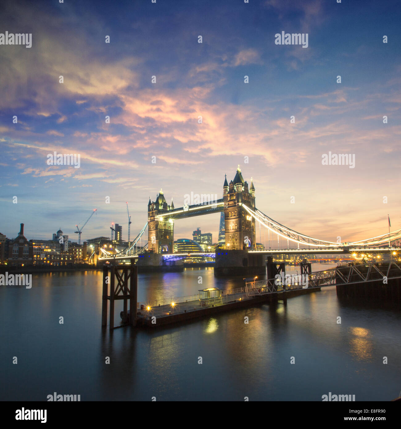 United Kingdom, London, Tower Bridge at night - Stock Image