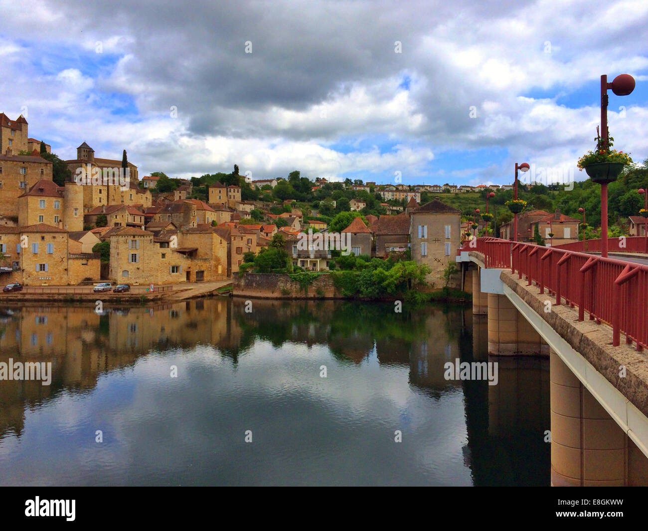France, Puy L'Eveque, Picture of town - Stock Image