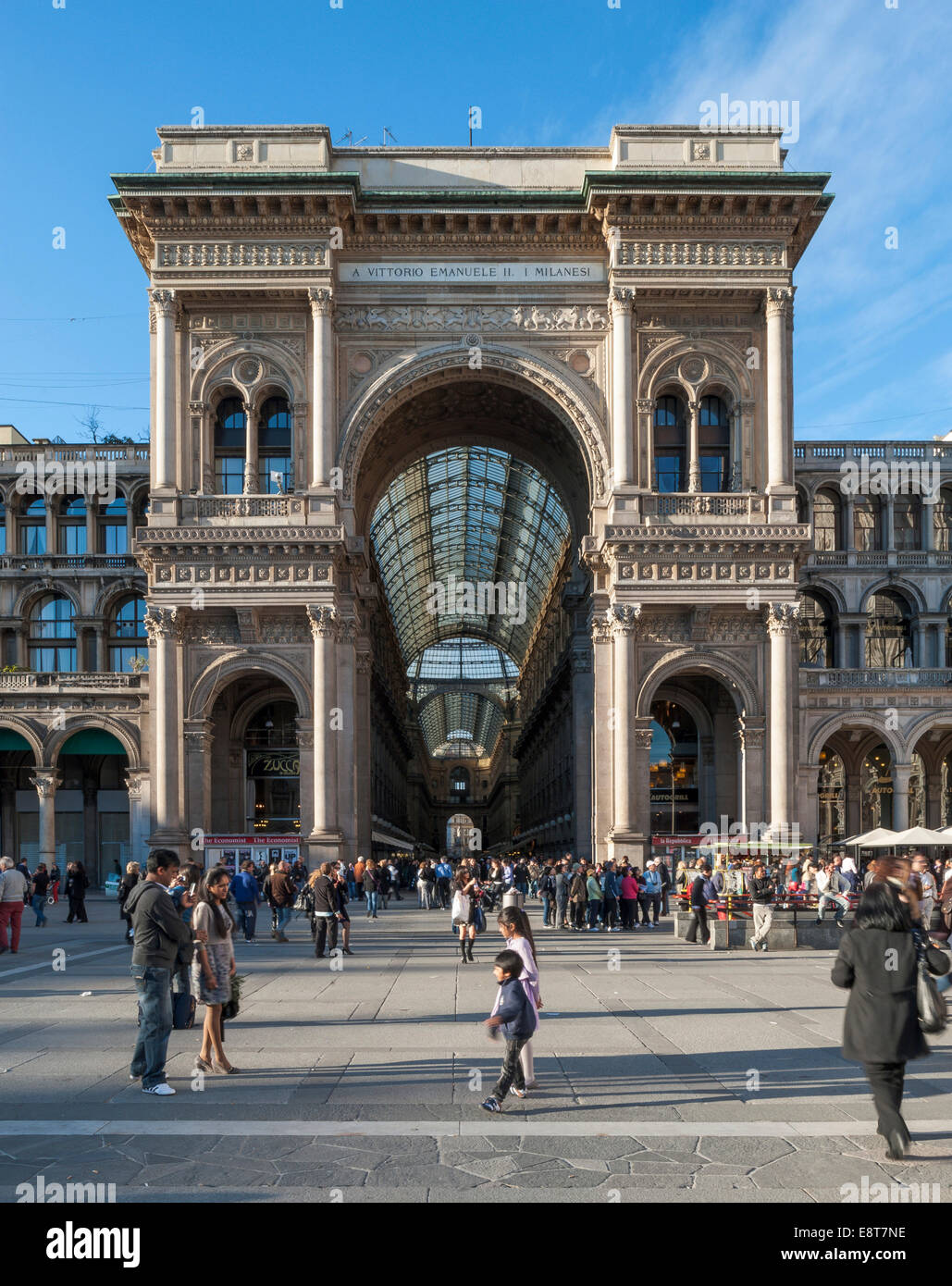 Piazza del Duomo with Galleria Vittorio Emanuele II shopping arcade, Milan, Lombardy, Italy - Stock Image