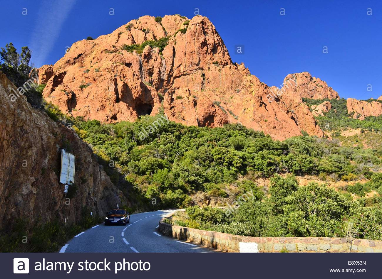 Red cliffs of Esterel Massif Alpes-Maritimes Provence Southern France Europe - Stock Image