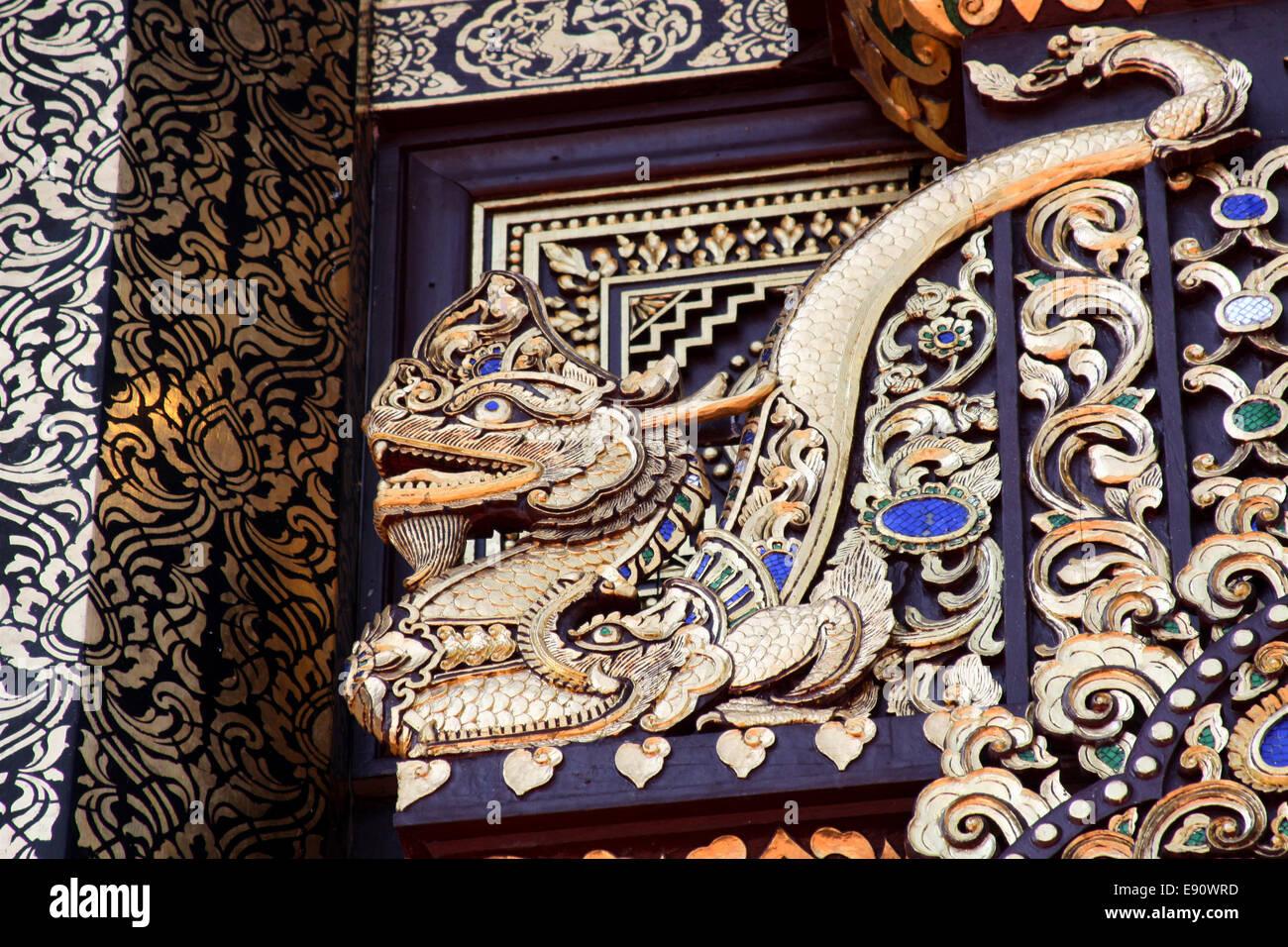 Dragon - Thai Buddhist temple decoration - Stock Image