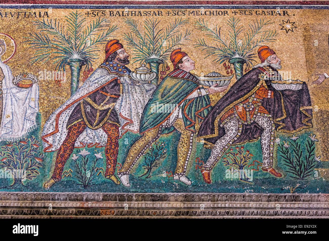 detail-of-byzantine-mosaic-in-santapolli