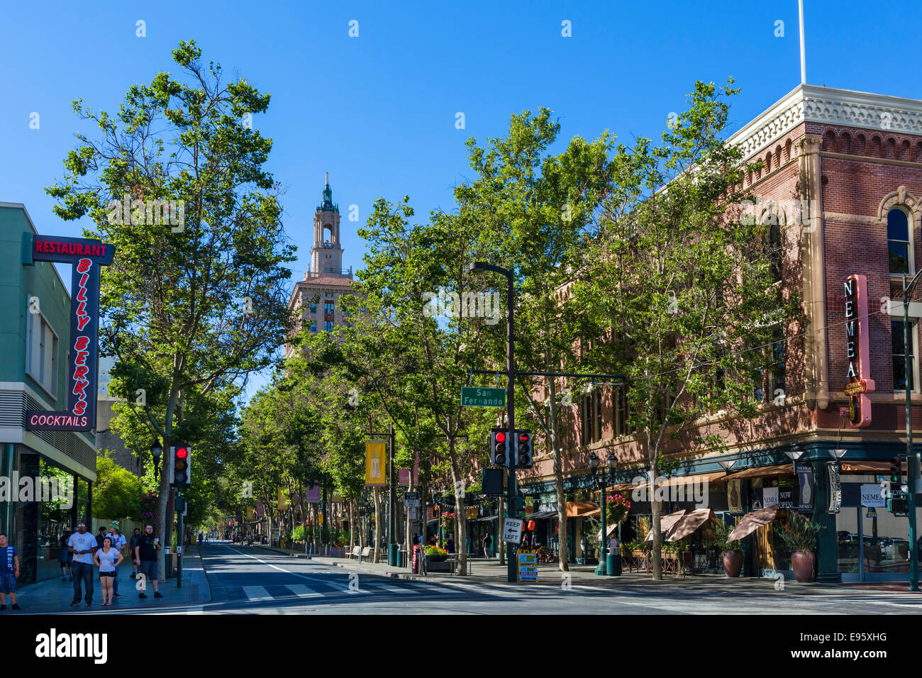 View down 1st Street S at intersection with San Fernando Street in downtown San Jose, Santa Clara County, California, - Stock Image