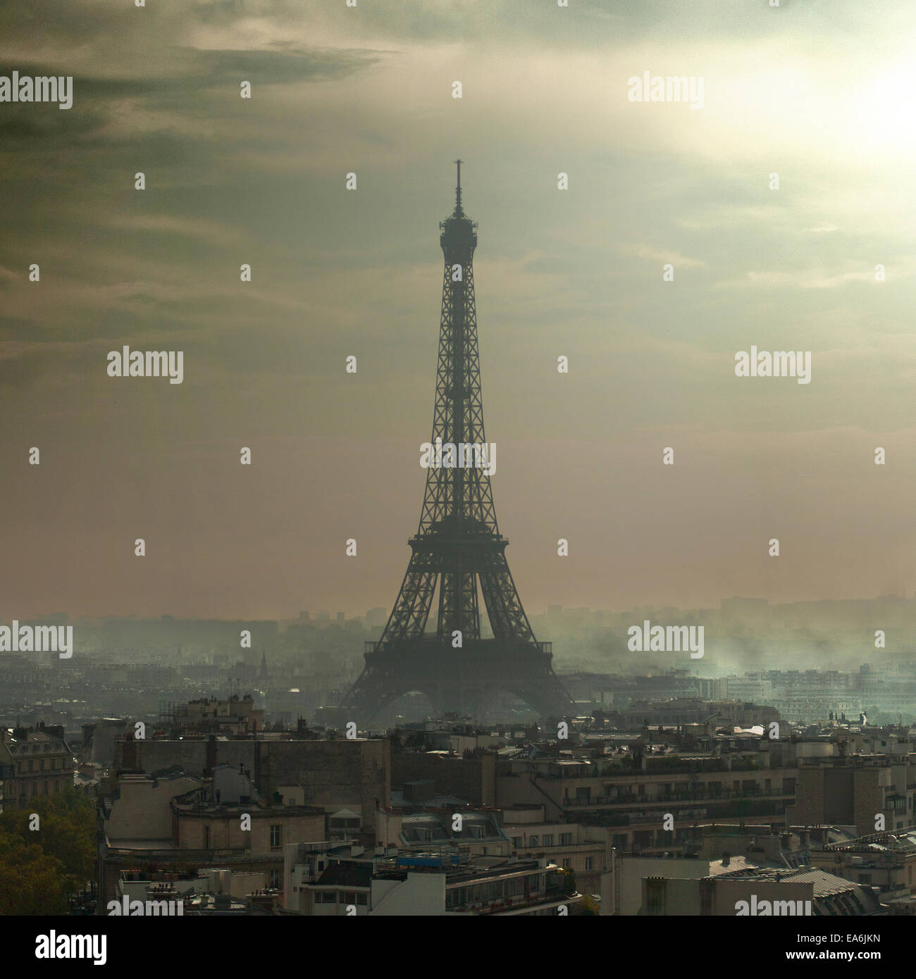 France, Paris, Eiffel Tower in the smog - Stock Image