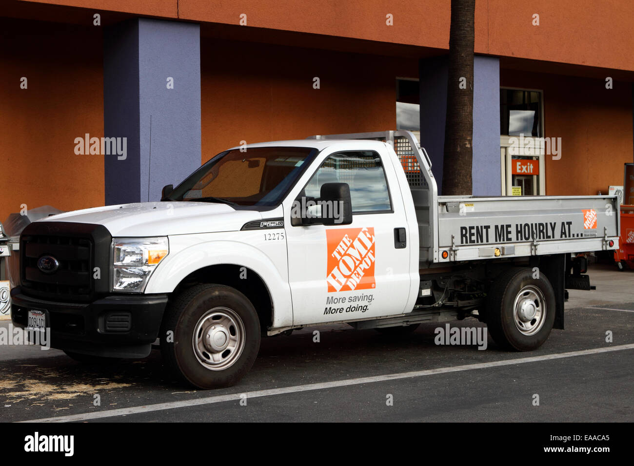 home depot truck for rent outside a store building in tustin stock rh alamy com