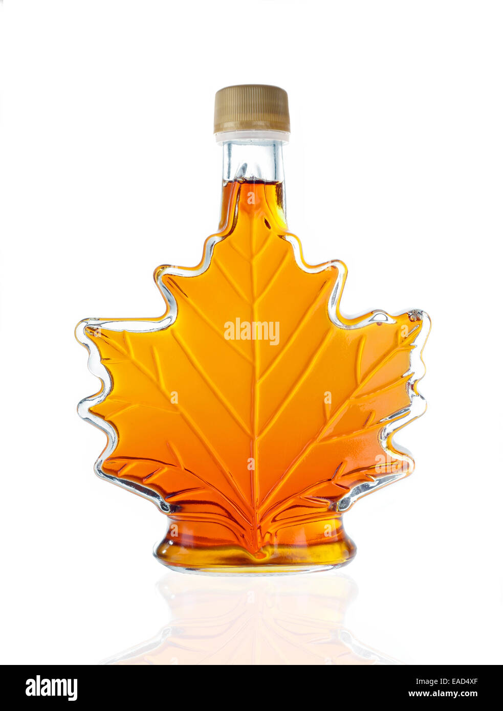 canadian-maple-leaf-shaped-glass-bottle-