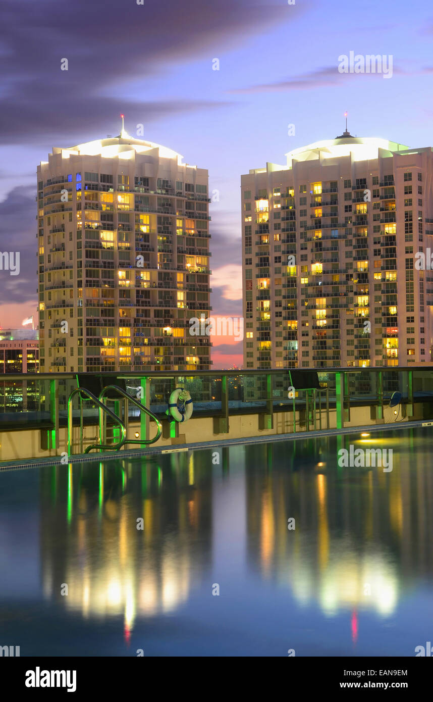 Urban Living: Luxurious condominiums with a roof top swimming pool ...