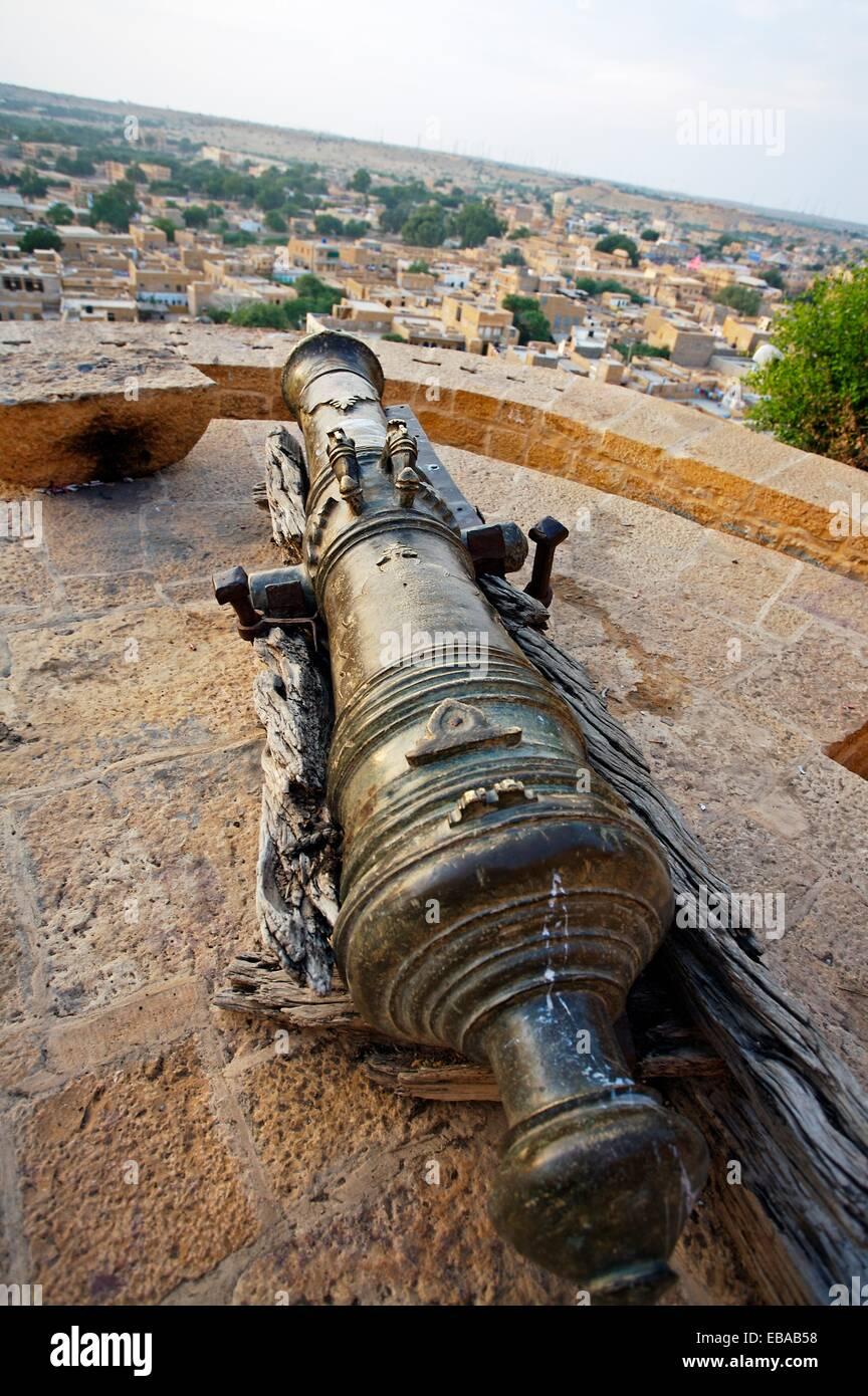 Cannon, Jaisalmer, Rajasthan, India. - Stock Image