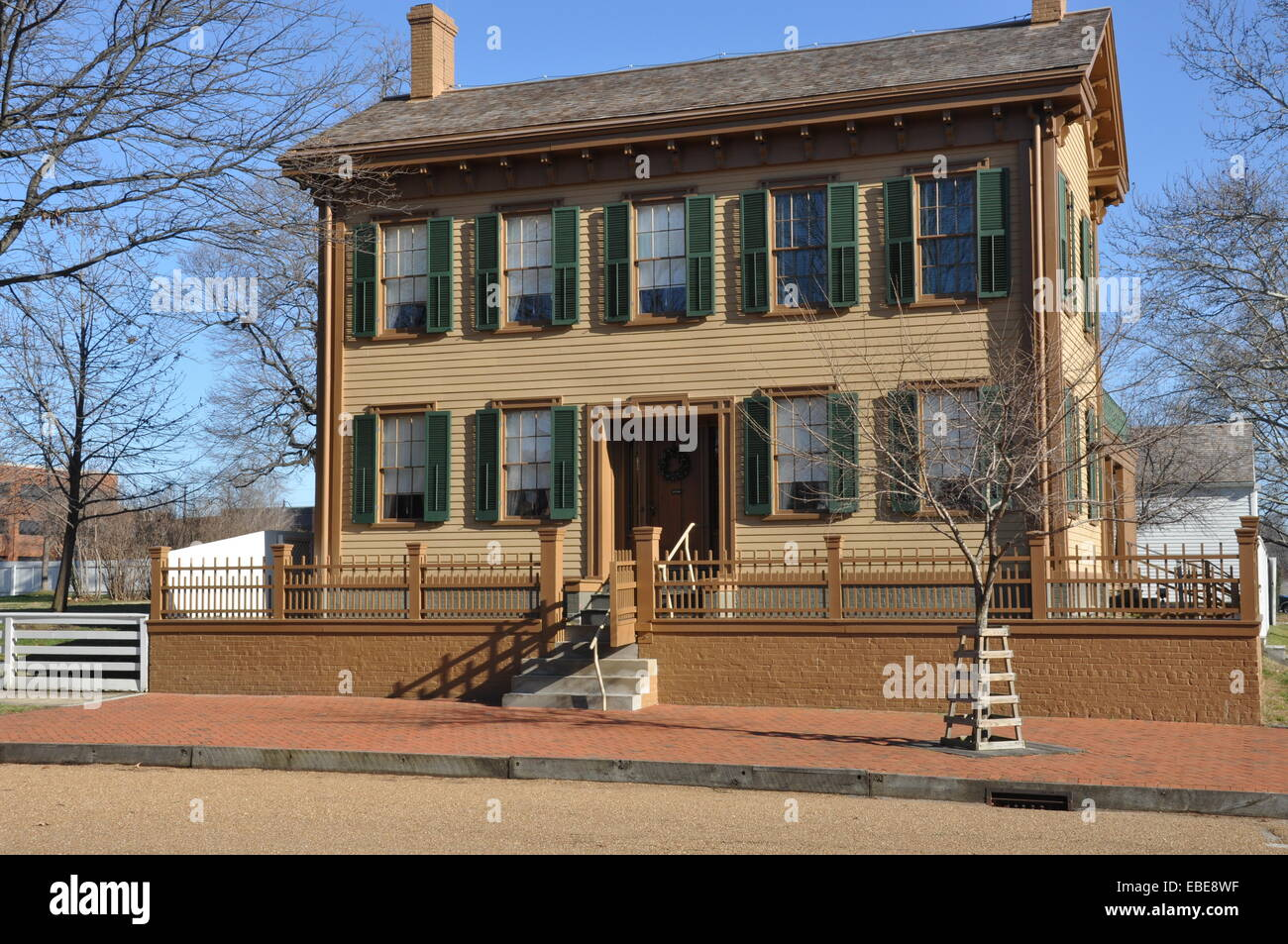 abraham-lincolns-home-in-springfield-illinois-EBE8WF.jpg