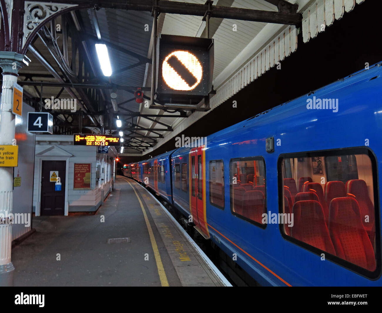 at night,on,platform,4,London,city,train,suburban,empty,lonely,clean,not,so,busy,busiest,ready,to,go,Gotonysmith
