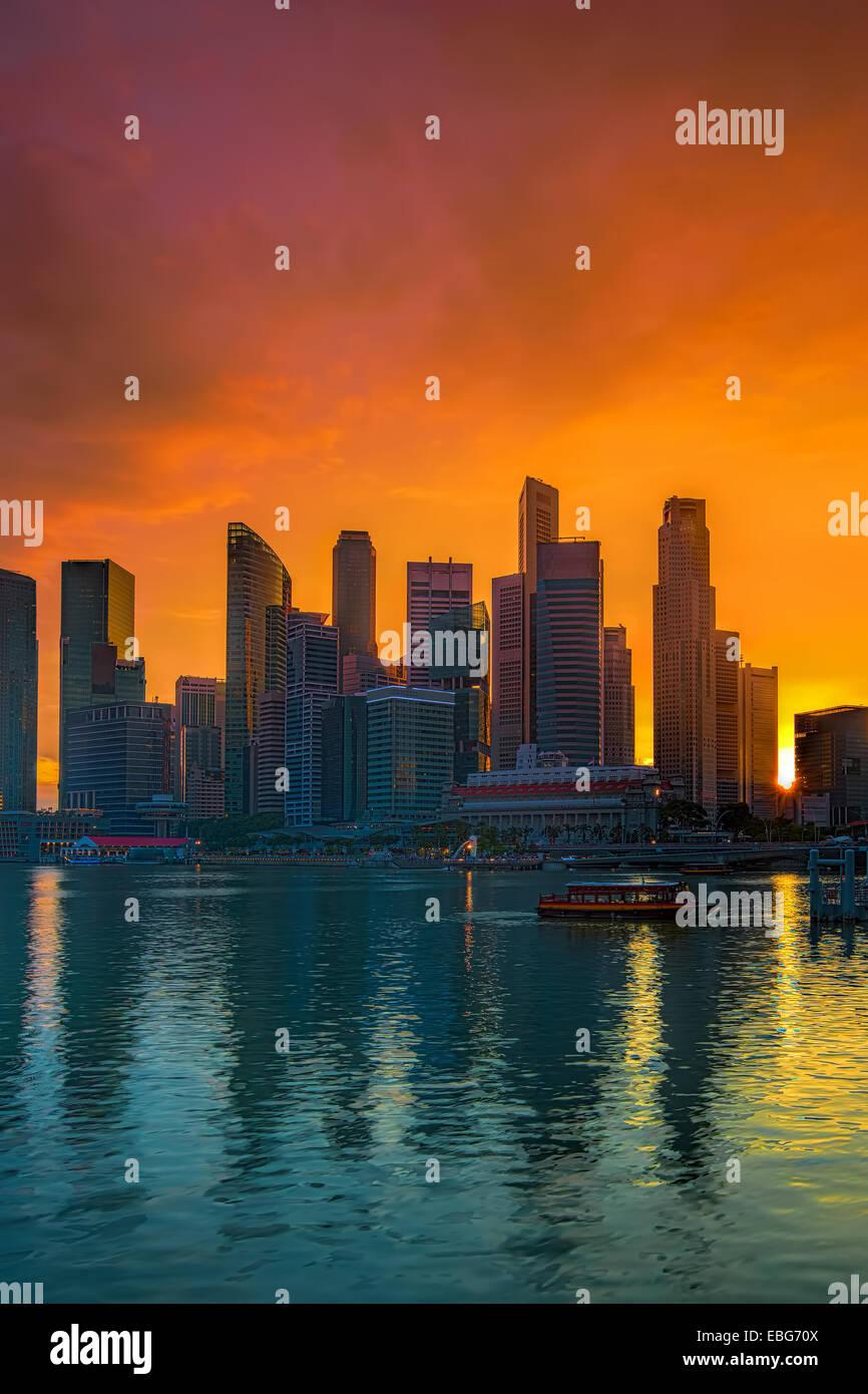 Singapore cityscape at sunset - Stock Image