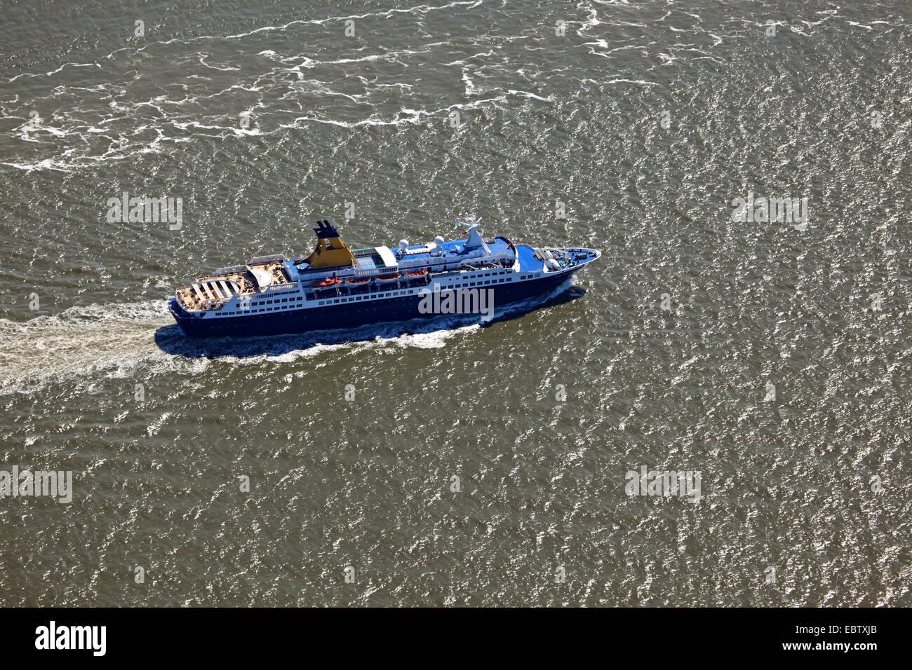 passenger liner Saga Pearl II on Elbe river, Germany, Lower Saxony - Stock Image