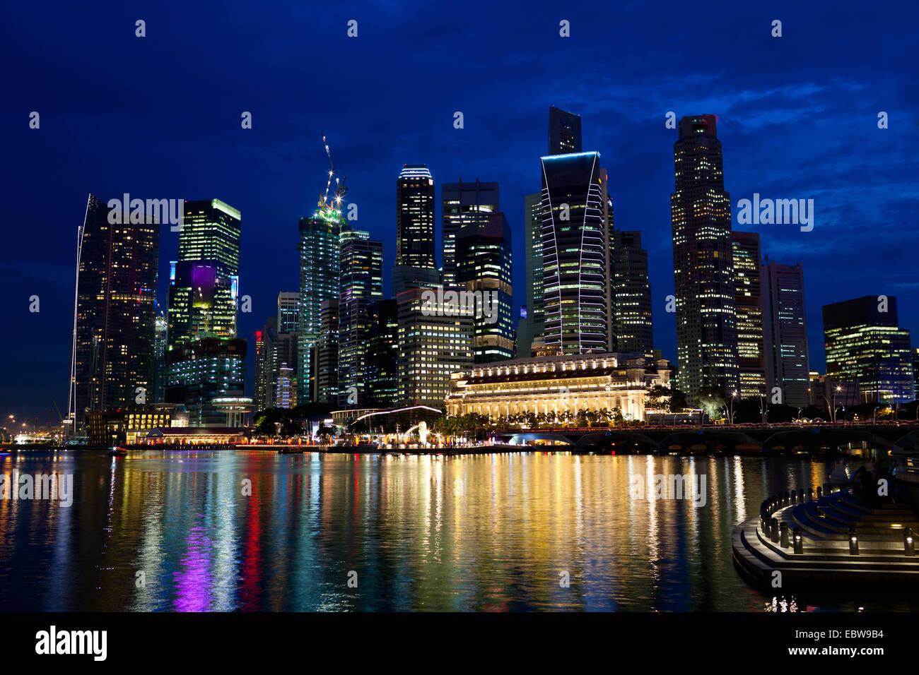 skyline of singapur at night, Singapore, Singapore - Stock Image