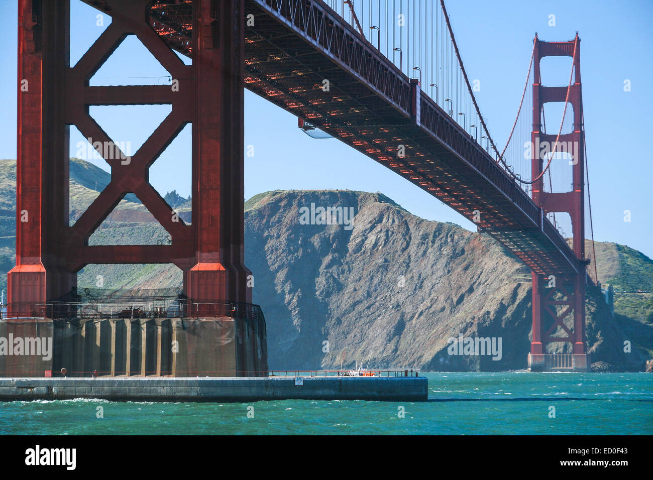 USA, California, San Francisco, Low angle view of Golden Gate Bridge - Stock Image