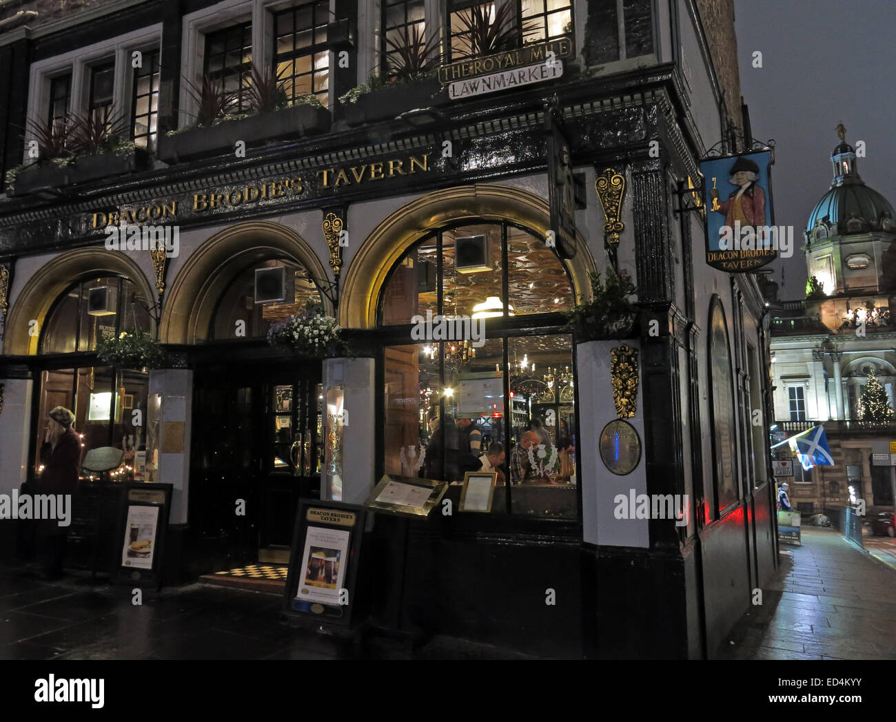 Lawnmarket,night,dark,Scotland at dusk,classic,pub,bar,ale,alehouse,Victorian,britain,british,city,color,colour,deacon brodies tavern,destination,drinking,edinburgh,europe,european,exterior,facade,house,kingdom,local,location,metropolitan,place,premises,pub,public,scottish,Gotonysmith,Scotland,scots,scottish,sightseeing,tour,tourism,tourist,travel,uk,united,urban,visit,visitor,world,Buy Pictures of,Buy Images Of