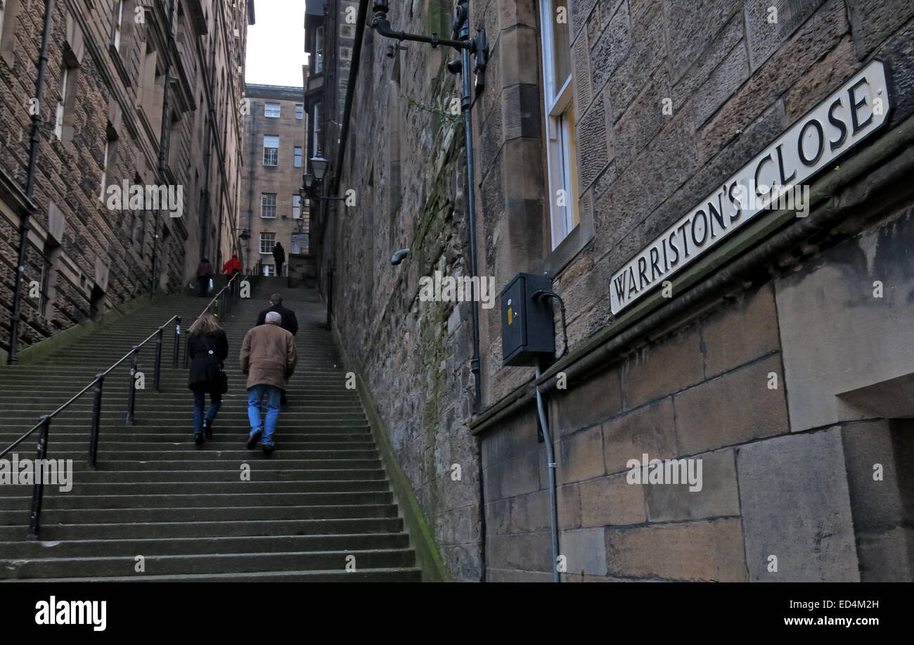 City,hills,hill,walk,walking,tourist,tourists,old,town,old town,closes,Warristons,Close,two walkers,Scotland,UK,two,walkers,stone,history,historic,Writers Court,writers,court,Gotonysmith,Scotlands History,Scotlands History