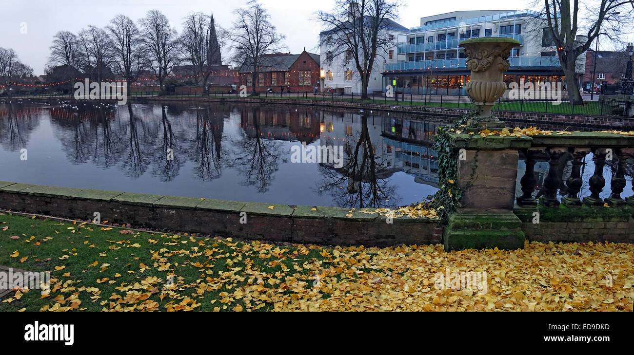 England,UK,reflection,United Kingdom,GB,Great Britain,City,trees,dusk,night,evening shot,leaves,brown,green,pano,wide,shot,wideshot,Gotonysmith,Buy Pictures of,Buy Images Of
