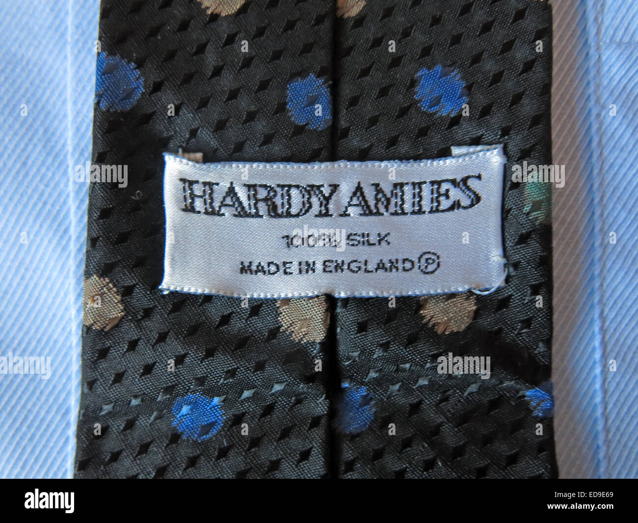 man mans 2nd hand second secondhand back front patterned,retro,selection,on,a,shirt,pattern,patterned,weave,weaving,material,fashion,business,office,apparel,US,English,fashionable,fabric,colour,coloured,colored,label,slim,wide,kipper,designer,uniform,school,casual,cotton,polyester,1980s,Hardy,Amie,gotonysmith,close,up,close-up,macro,mode,moda,textile,Amies,100%,accessory,bow,business,businessman,cloth,clothes,clothing,collar,corporate,cravat,cute,design,designer,dress,elegance,elegant,fabric,fashion,fashionable,formal,garments,knot modern ascot tie,bow tie,bolo tie,zipper tie,cravat and clip-on tie