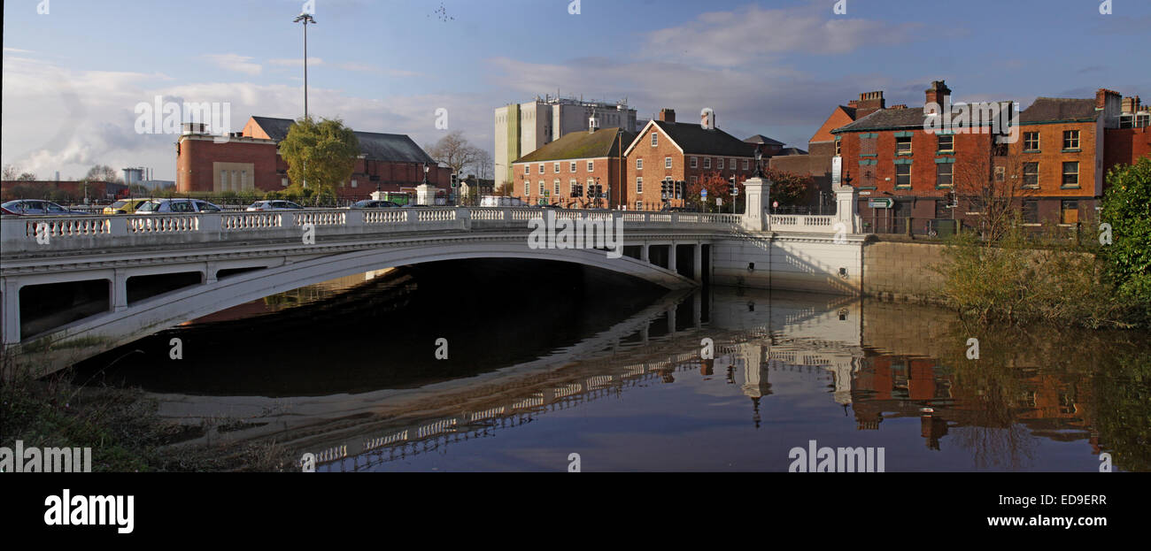 Panorama,reflection,Cheshire,England,UK,town,WBC,Borough,Council,Warrington Borough Council,crossing,tidal,MrSmiths,Mr Smiths,Academy,Oliver Cromwell,pano,wide,wide angle,wideangle,water,bridgefoot,town centre,centre,new town,newtown,Latchford,rd,road,A50,A49,main,bottleneck,sunny,GoTonySmith,sunny day,Warringtonians,Buy Pictures of,Buy Images Of