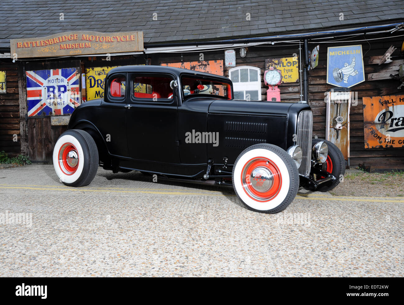 1930s Ford deuce traditional hotrod Stock Photo: 77360973 - Alamy