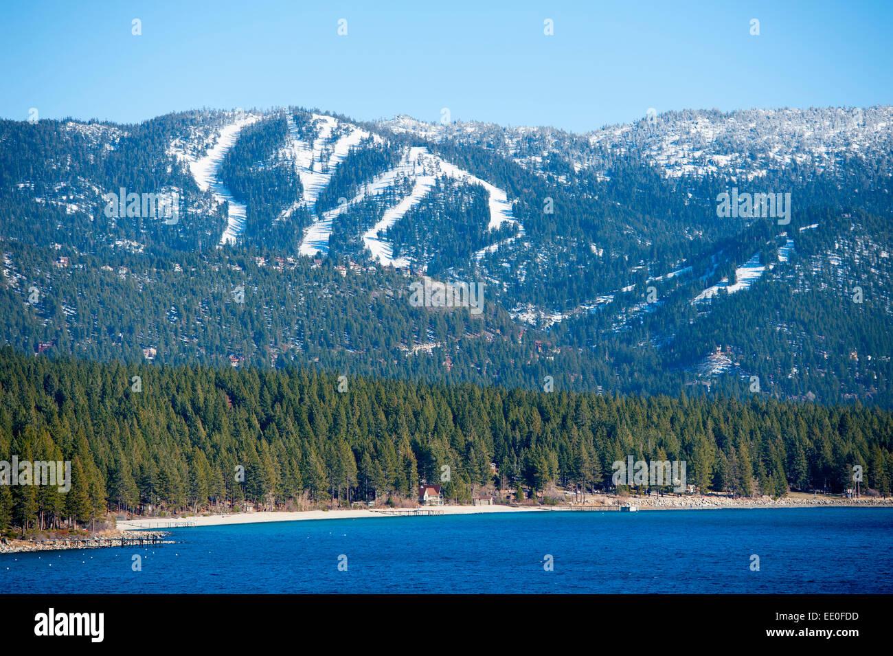 usa-nevada-nv-lake-tahoe-winter-view-of-incline-village-and-the-diamond-EE0FDD.jpg
