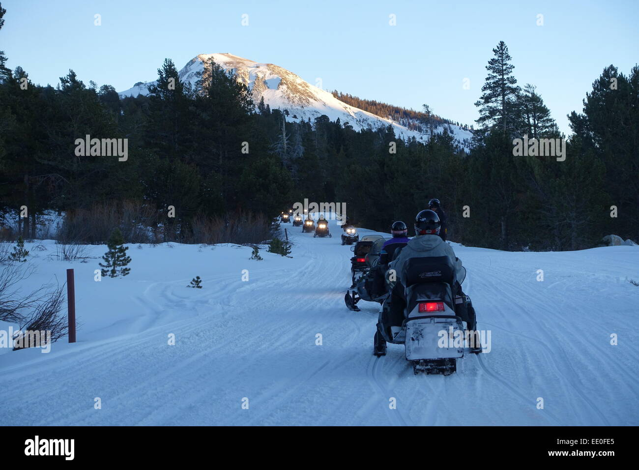 usa-california-ca-lake-tahoe-sierra-mountains-snowmobiling-in-hope-EE0FE5.jpg