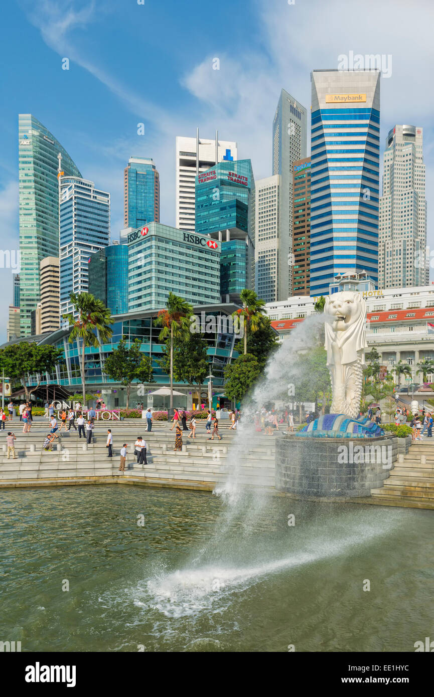 The Merlion, the city's symbol, and city skyline, Singapore, Southeast Asia, Asia - Stock Image