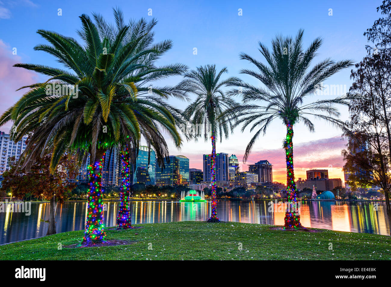 Orlando, Florida, USA downtown skyline at Eola Lake. - Stock Image
