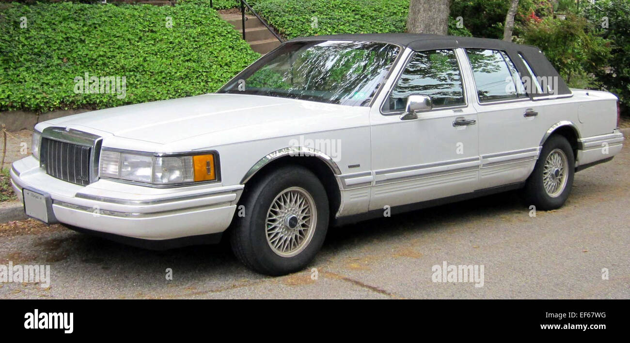 1992 lincoln town car  1990 1992 Lincoln Town Car 04 30 2012 Stock Photo: 78199228 - Alamy