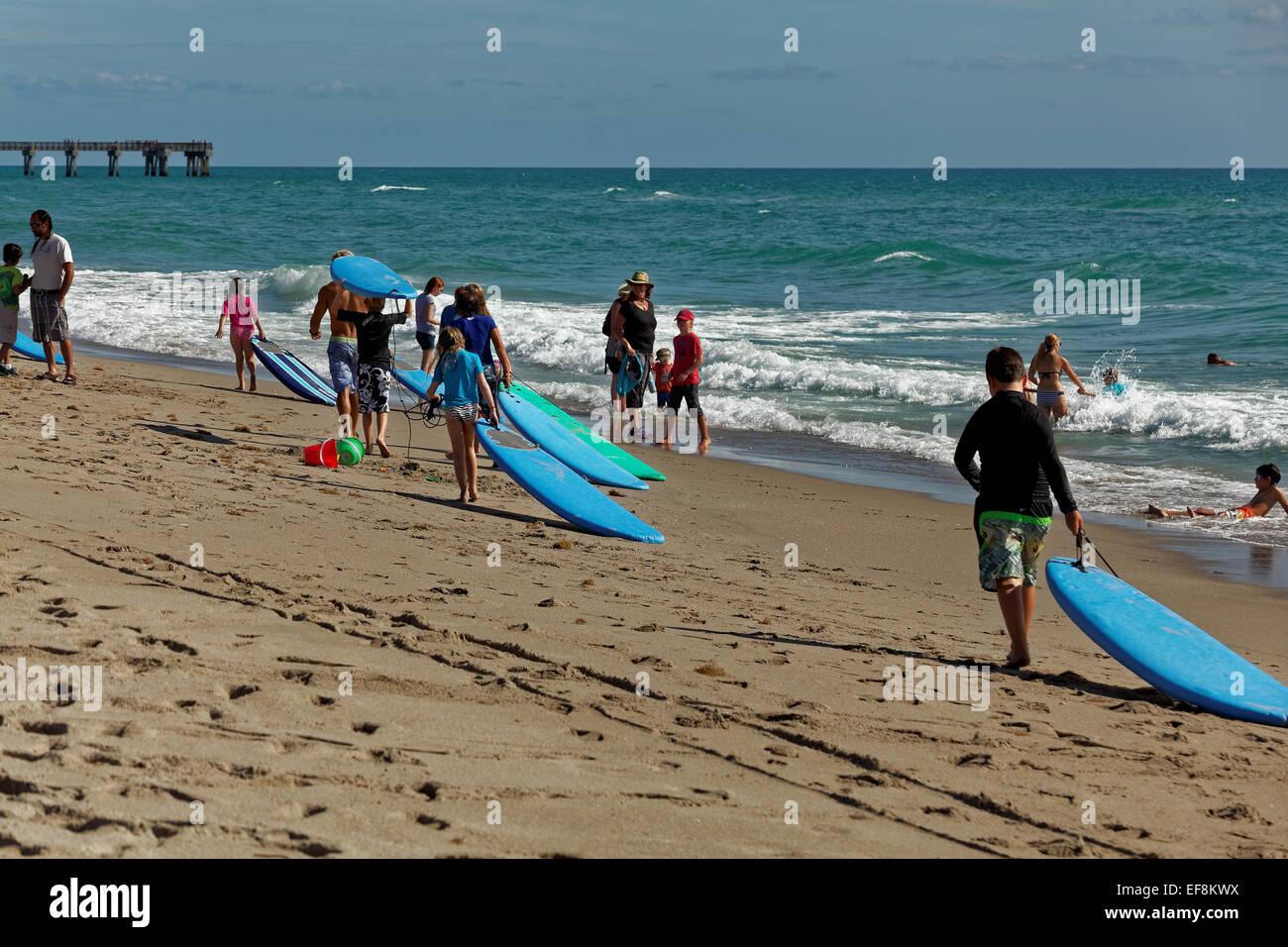 surfers-juno-beach-florida-usa-EF8KWX.jp