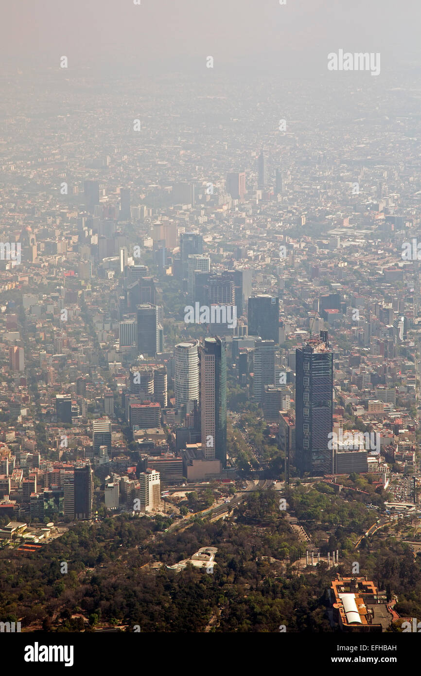 Mexico City, Mexico - Air pollution cuts visibility in Mexico City. - Stock Image