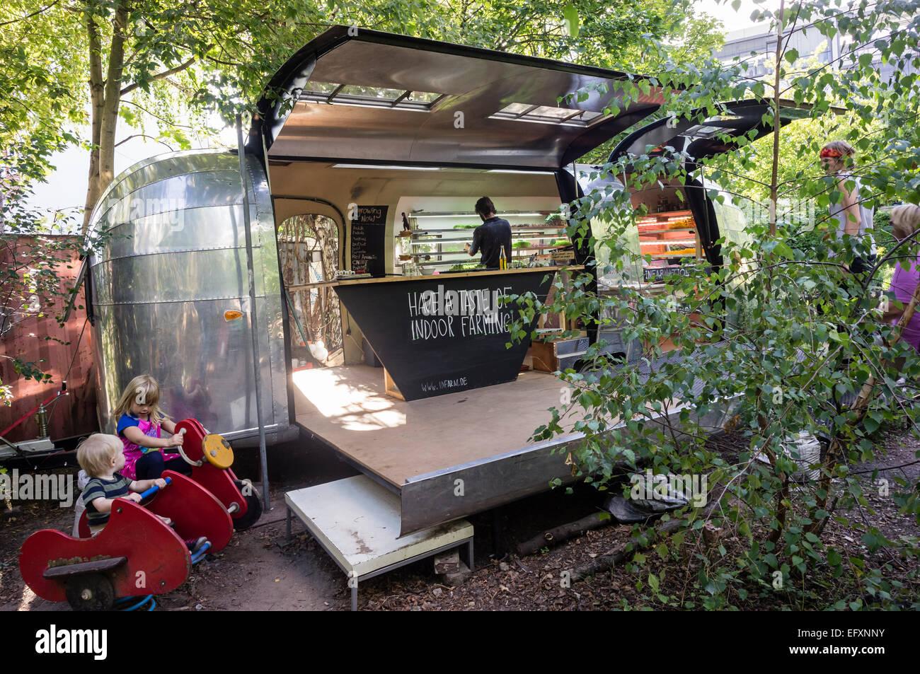Princess Garden , Urban Gardening,  mobile urban farm with herbs and vegatable, Kreuzberg, Berlin - Stock Image