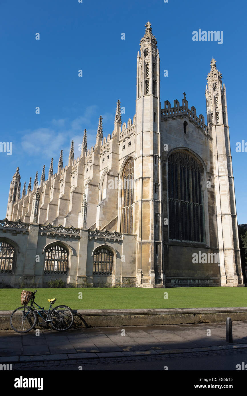 king-college-chapel-from-kings-parade-cambridge-city-cambridgeshire-EG56T5.jpg
