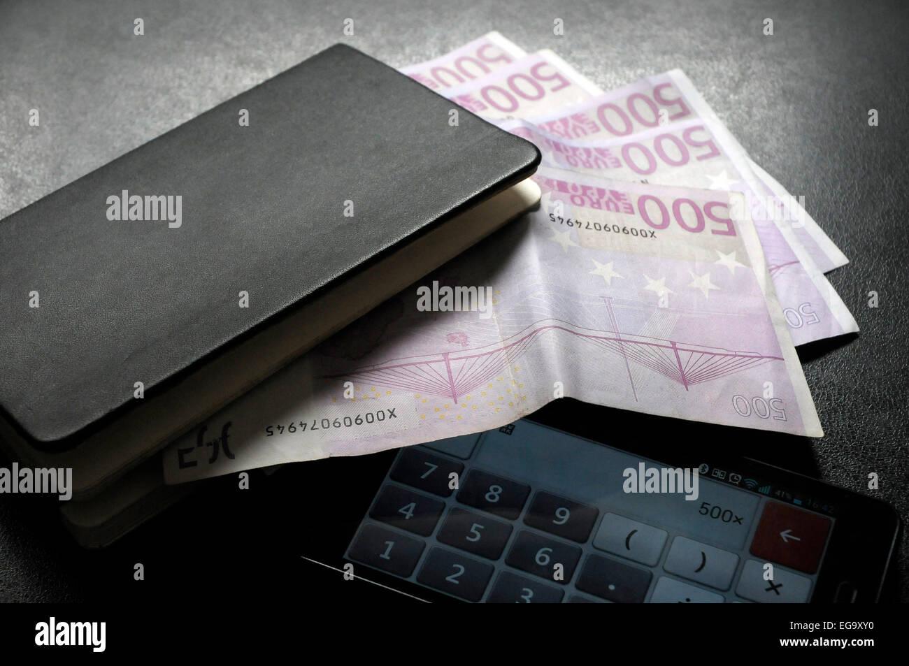 2500 euros on 500 euros fivetimes money EEC, CEE - Stock Image