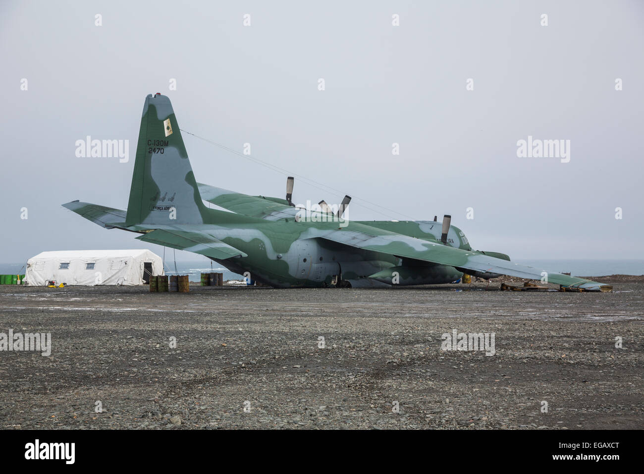 crashed Brazilian Air Force Lockheed C-130 Hercules at Frei Station, King George Island, Antarctica - Stock Image