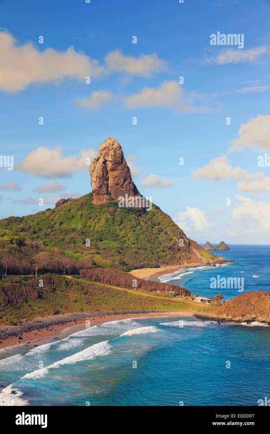 Brazil, Fernando de Noronha, Conceicao, Meio and Cachorro beach with Morro Pico mountain in the background - Stock Image