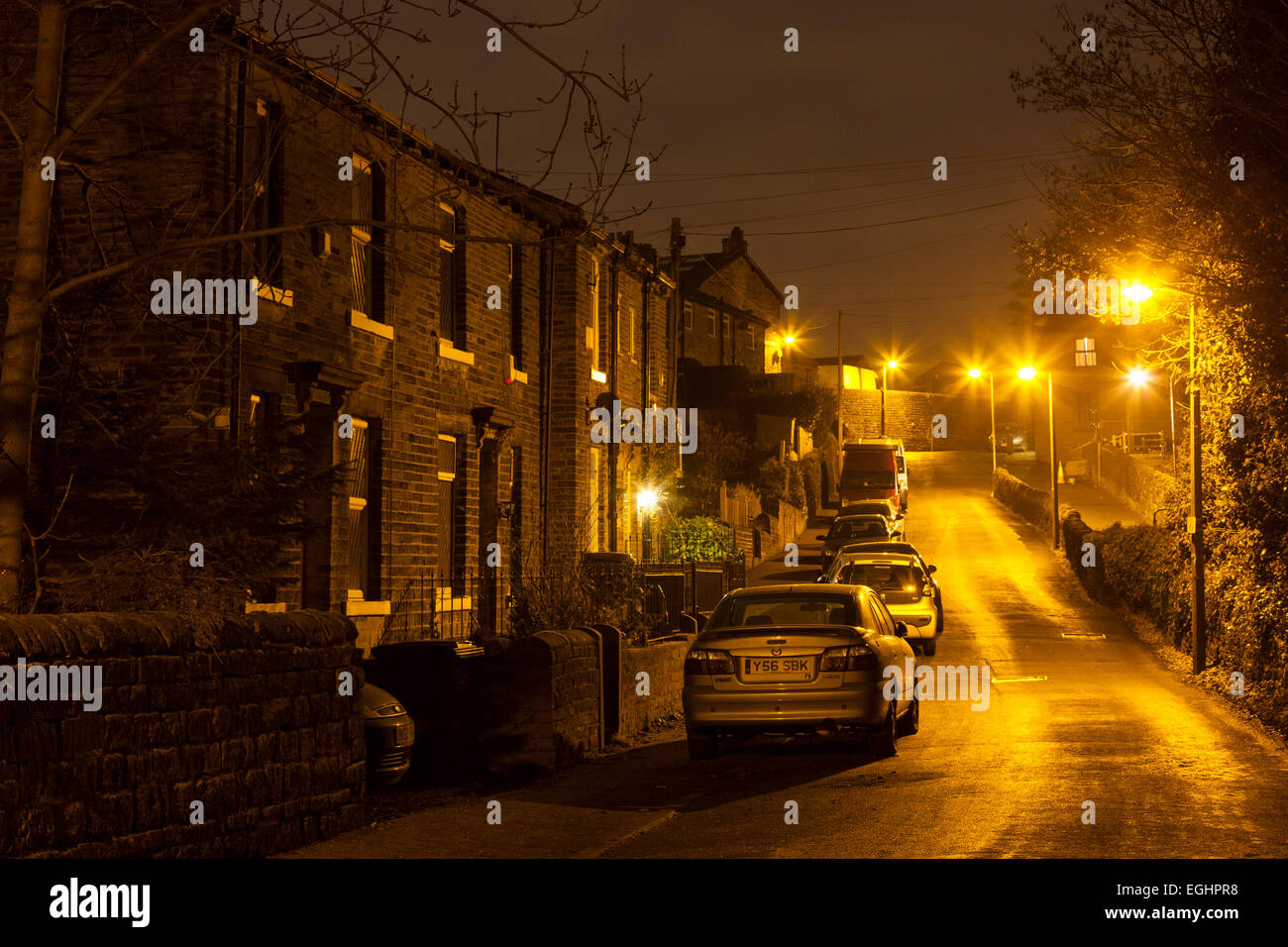 street-with-parked-cars-at-night-sowerby-bridge-west-yorkshire-EGHPR8.jpg