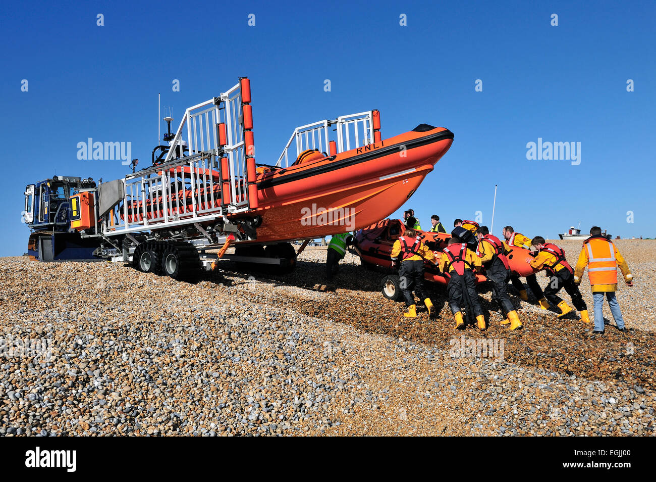 retrieving-lifeboat-from-the-sea-EGJJ00.