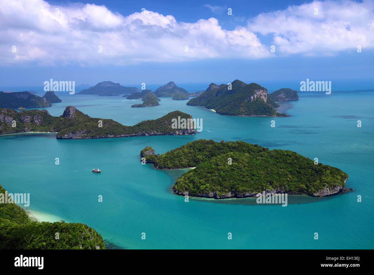 beautiful turquoise waters surrounding Ko And Thong in southern Thailand Stock Photo
